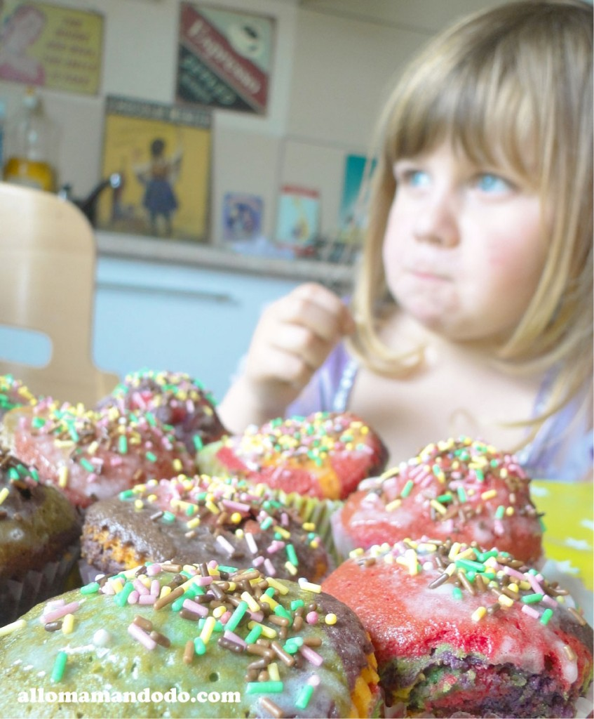 Activit Patisserie Des Cupcakes Arc En Ciel Allo Maman