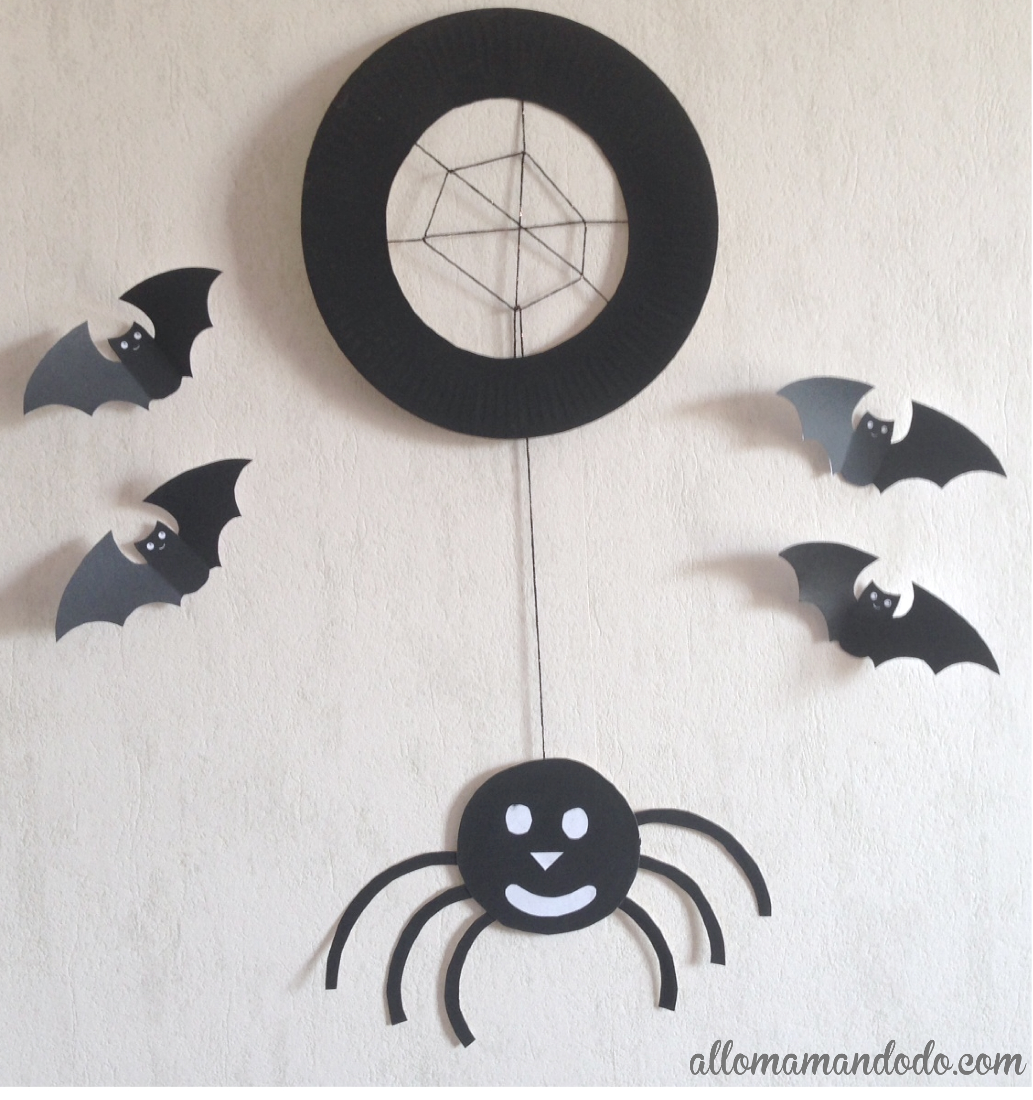 tuto diy d 39 halloween l 39 araign e base d 39 assiette en. Black Bedroom Furniture Sets. Home Design Ideas