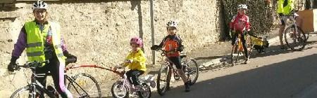Parcourir la France à Vélo: Le défi fou d 'une famille!
