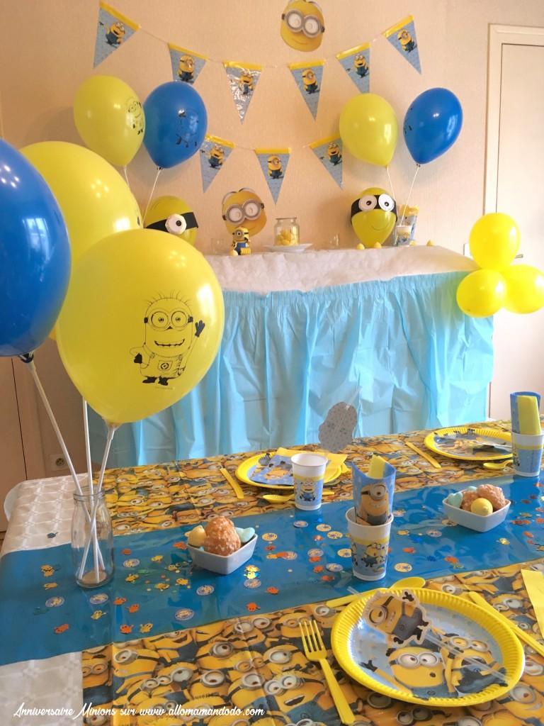 table anniversaire minions