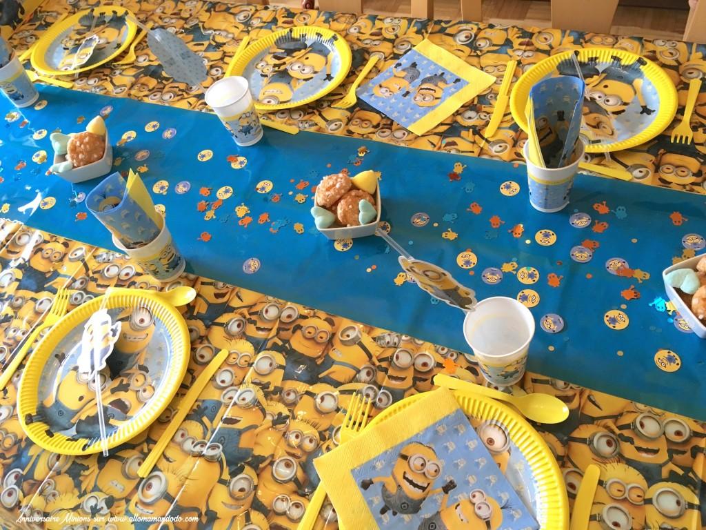 table anniversaire minion