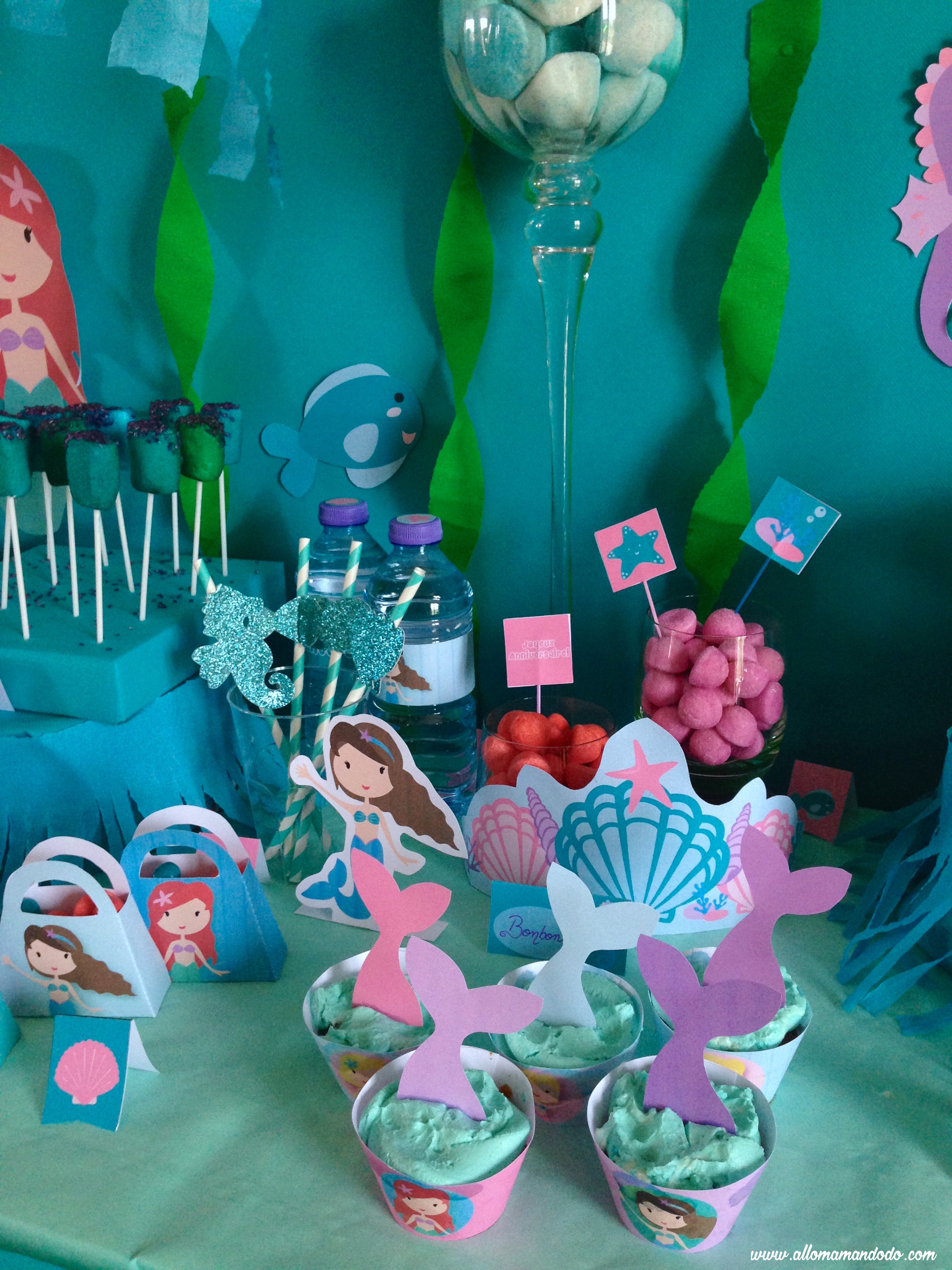 detail table anniversaire sirene pailles bonbons sueue