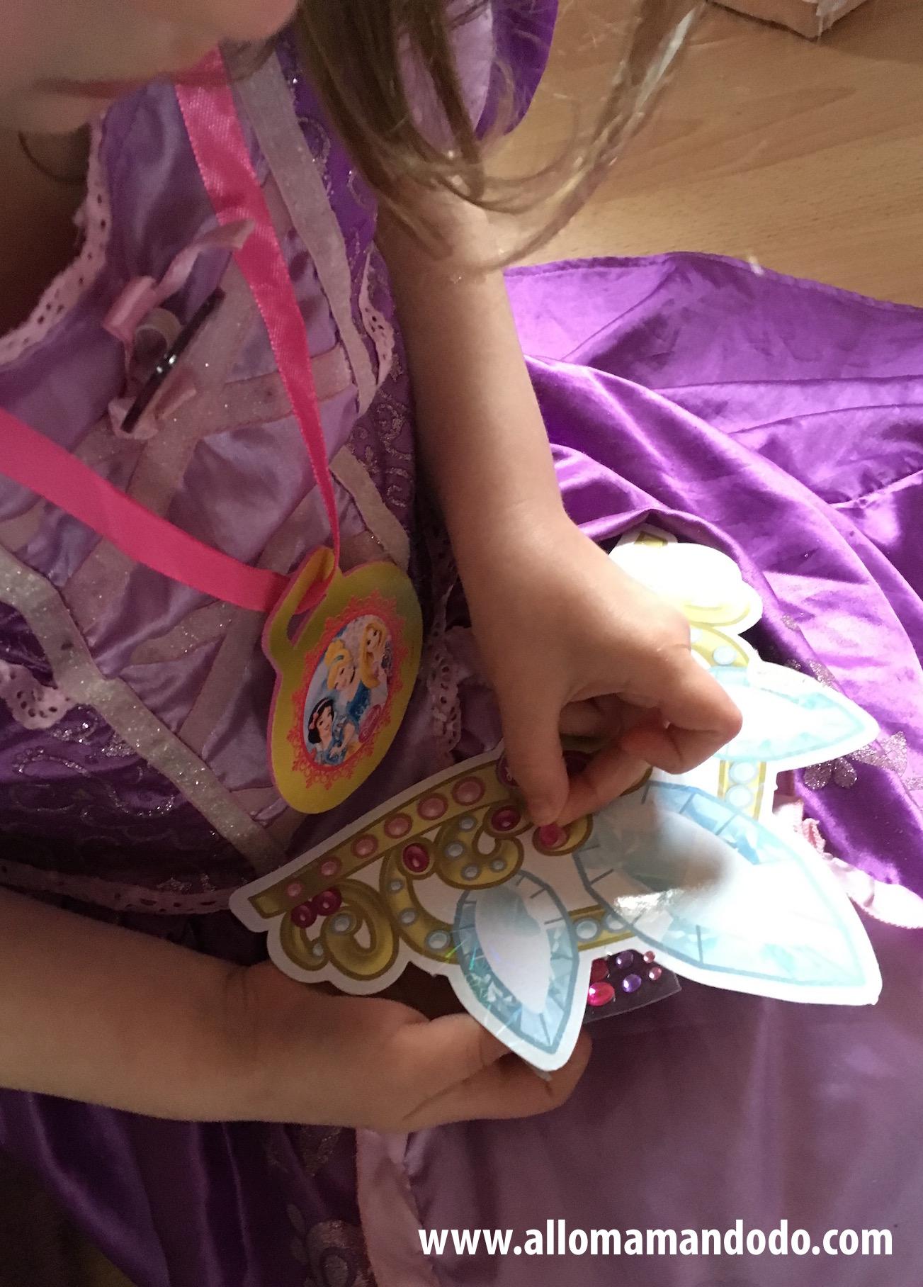 Son anniversaire princesse sweettable d co et activit s allo maman dodo - Couronne princesse a decorer ...