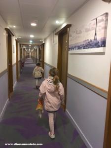 couloir hotel holiday inn
