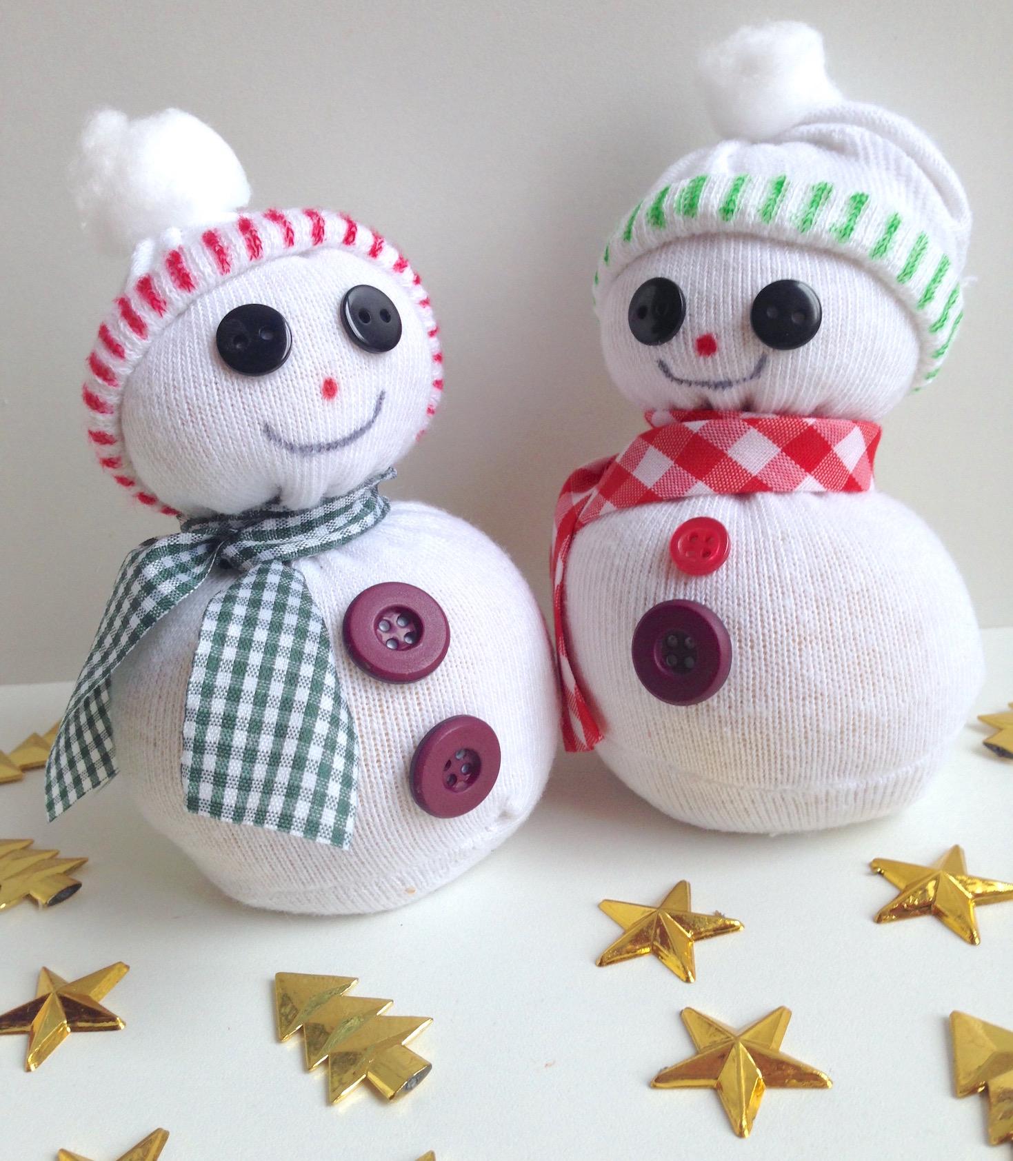 diy: bonhommes de neige chaussettes! - allo maman dodo