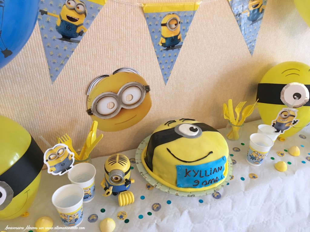 anniversaire minion d co sweet table activit s allo maman dodo. Black Bedroom Furniture Sets. Home Design Ideas