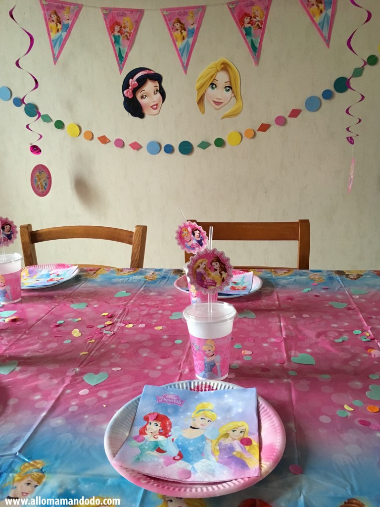assiettes serviettes verres princesses
